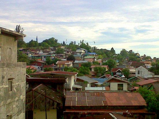 Rumah-rumah Balikpapan di atas bukit