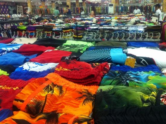 Celana surf @ Krisna Bali Oleh-oleh