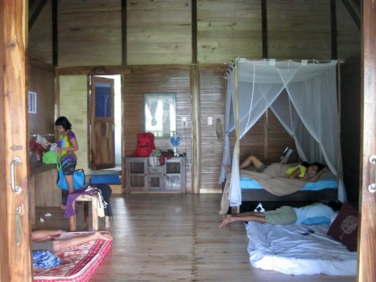 Big room @ Villa Monyet, Batu Karas