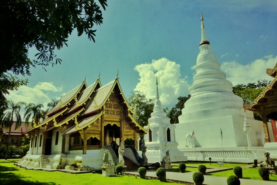 Masuk ke Laos lewat Thailand: Wat Phra Singh di Chiang Mai
