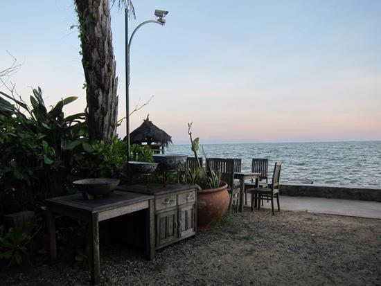 Beach House - di tepi pantai