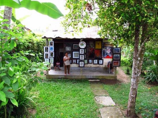 Penjual lukisan di Ubud