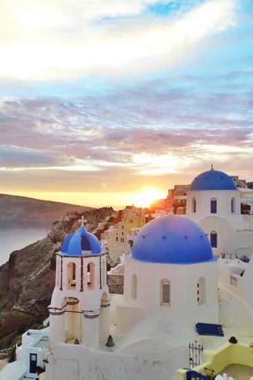 Sunset Santorini dilihat dari Gereja Biru di Oia