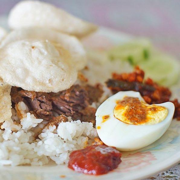 Nasi Gemuk - kuliner lokal yang enak di Jambi