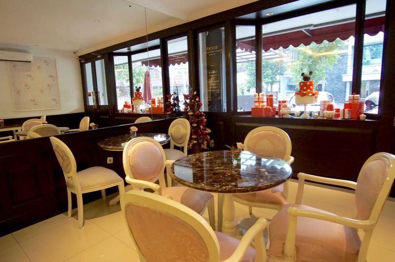 Interior cantik Sucre Bandung