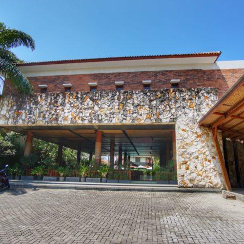 Sunrise Beach Hotel Pangandaran depan