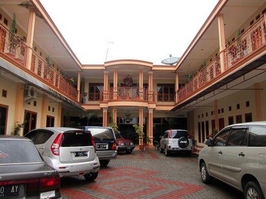 Amarsya Hotel-tampak depan