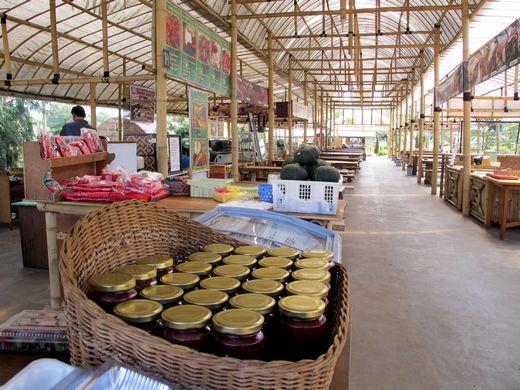 Happy Farm - Dapoer Bamboe